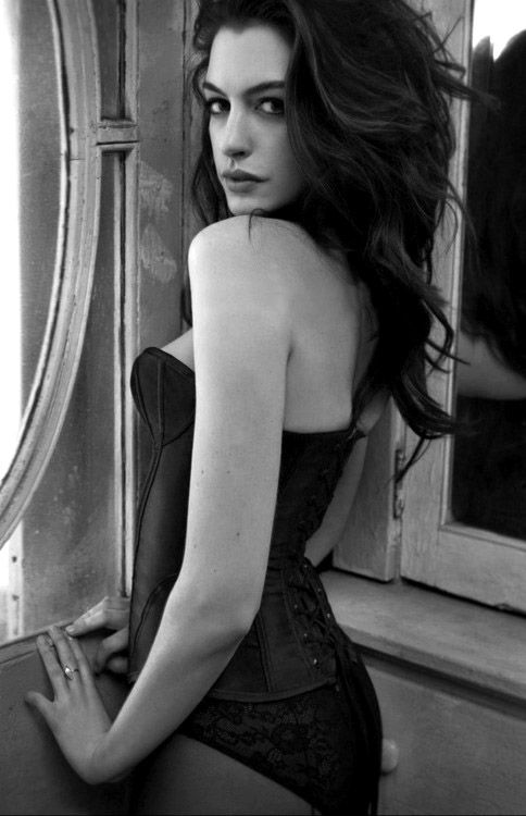Anne Hathaway: Eye Contacts, Annehathaway, Good, Hair