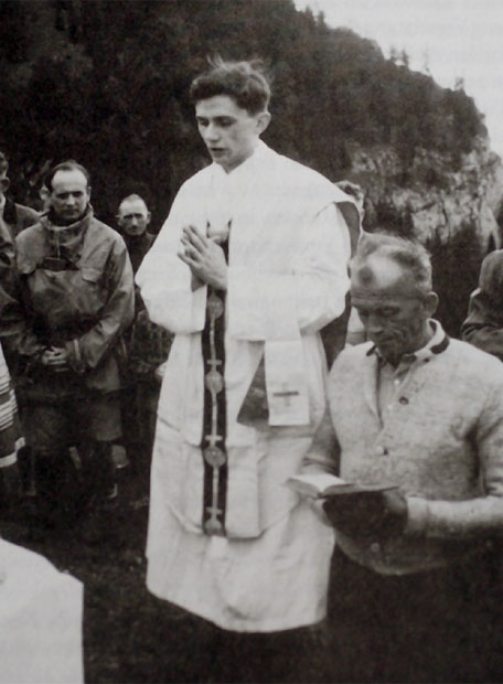 Introibo ad Altare Dei (Joseph Ratzinger as a young priest).