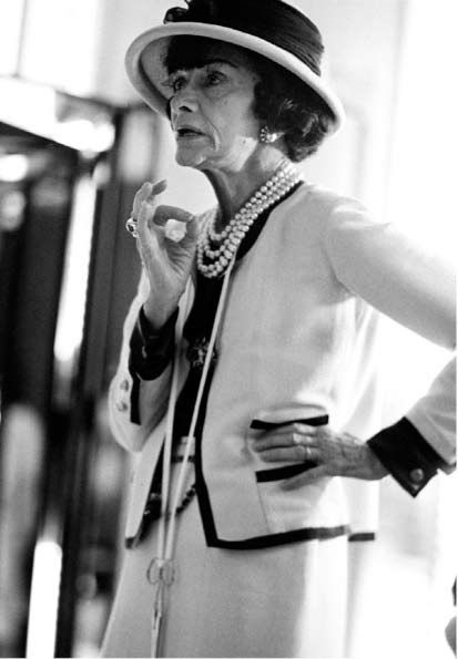 Coco ChanelStreet Fashion, Coco Chanel, Happy Birthday, Dresses Fashion, Fashion Blog, Icons, Woman Style, Chanel Fashion, Cocochanel