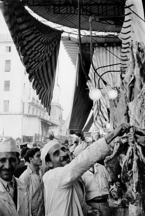 Henri Cartier-Bresson (Chanteloup-en-Brie, 22 agosto 1908 – L'Isle-sur-la-Sorgue, 3 agosto 2004): Athens Greece 1953