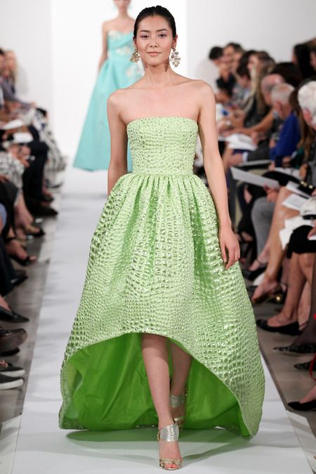 Oscar de la Renta | Spring 2014 Ready-to-Wear Collection | Style.com -- nice silhouette maybe they have in teh pretty blue