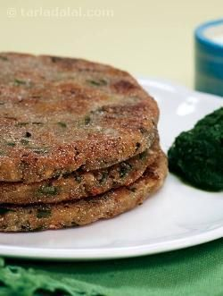 Though not very commonly used, rajgira flour combines beautifully with potatoes in these peppery parathas. The potatoes ensure that the parathas remain soft. Serve these parathas with spicy green chutney and curds.