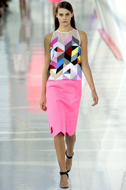 Preen, spring/summer 2014, #LFW, Catwalk 24. shocking pink skirt. #flowear #fashion ✻ www.flowear.org