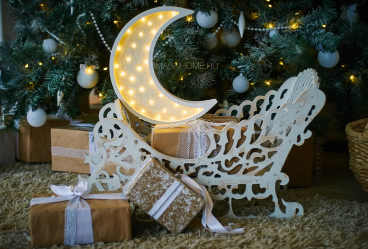#nightlight #moon #happynewyear #freedom #lamp #surf #babyshower #babyroom #woodnightlight #forkids #forbaby #sweetdreams #gift #decor #decorforkids #ночник #лампа #ночниквдетскую #giftforbaby #kidroom #interior #room Wooden nightlight handmade. Original lamp powered by 3 AA batteries. Battery lasts for 1.5 months in the mode of 4-5 hours per day. Battery can easily be replaced. The switch off/on - touch light system by MASAIHOME. Brightness adjustment.