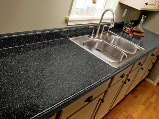 The experts at DIYNetwork.com discuss the pros and cons of using a kit to paint laminate counterops so they look like granite.