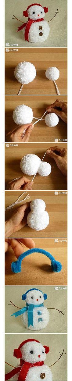 Pompon muñeco de nieve muy adorable