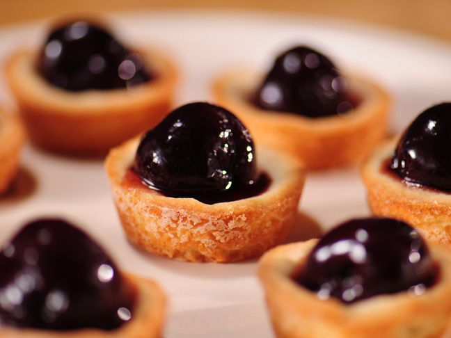Sweetheart Tarts Recipe : Food Network - FoodNetwork.com