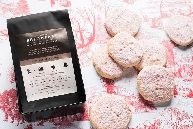 My go-to Christmas party gift this year evokes home comfort. It's my favourite shortbread recipe (dusted with raspberry flavoured icing sugar for a festive look), along with a gorgeous tin of Waikato-grown tea from Zealong Tea Estate (above).