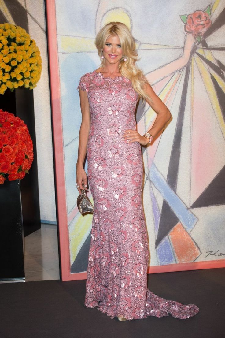 Victoria Silvstedt..... - Celebrity Fashion Trends
