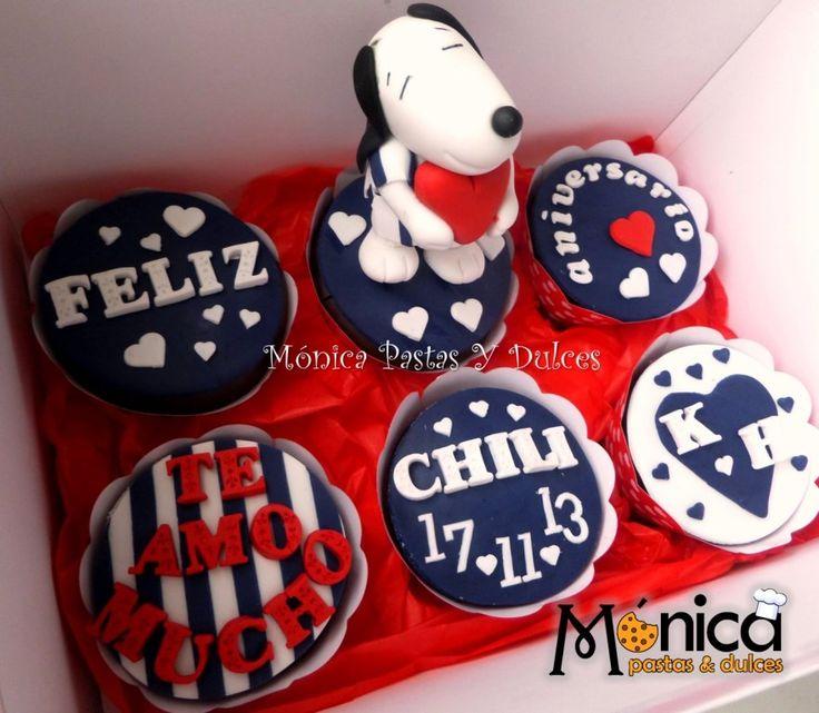 Cupcakes con mensajes de diseño de Alianza con Snoopy, con detalles unicos en ella, elaborado por MONICA PASTAS Y DULCES