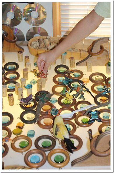 reciclando materiales y creando nuevos juguetes