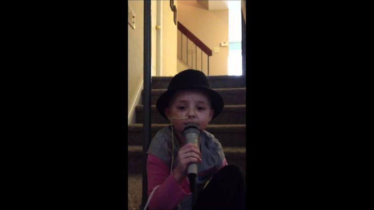 Sophia Pasquarella, toll wie sie es macht. Einfach singen. Einfach Klasse. Beate ich bin voll der Bewunderung für sie. Ja. – Beateschwieger
