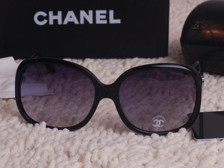 Sunglasses: Shades, Cheep Sunglasses, Sunglasses Chanel, Big Sunglasses, Black Chanel, Awesome Sunglasses, Fashion Accessories, Chanel Sunglasses, Random Pin