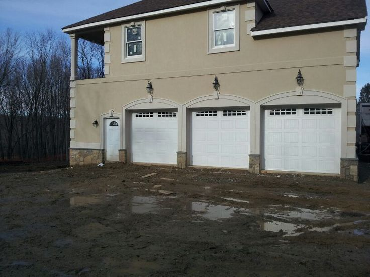 Dutchess Overhead Doors Installed These Raynor Showcase Garage Doors. These  Are A Sturdy Insulated Garage