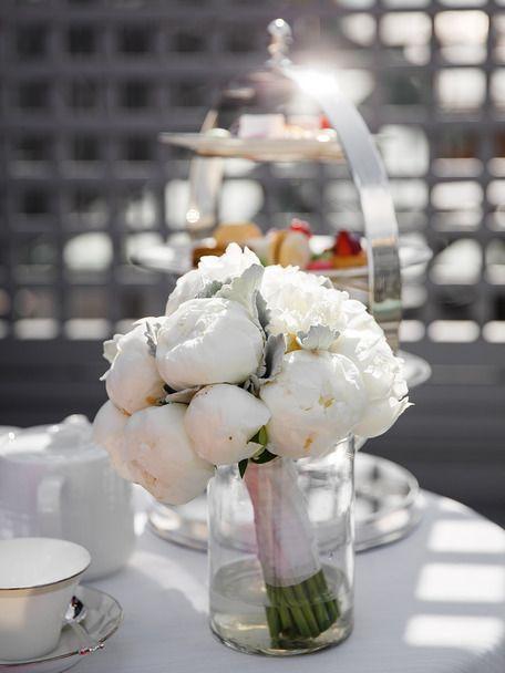 wedding bouquet bridal bouquet white peonies mono bouquet букет невесты свадебный букет пионы букет из пионов моно букет белый