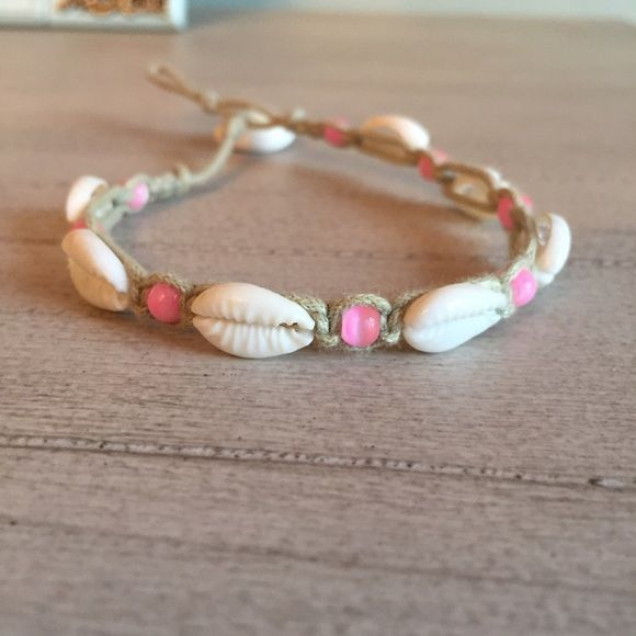 beachy shell anklet SUPER CUTE ANKLET!!!! a MUST HAVE ITEM I hope you love it as much as I do adjustable size!! super fun and super cute Jewelry