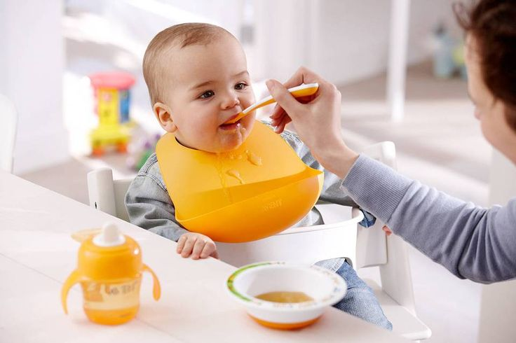 Avent Feeding Bib Crumb catcher – collects crumbs and mess Making it easier for mom to clean smile emoticon:)