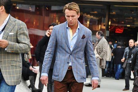 С чем сочетается красный пиджак из льна