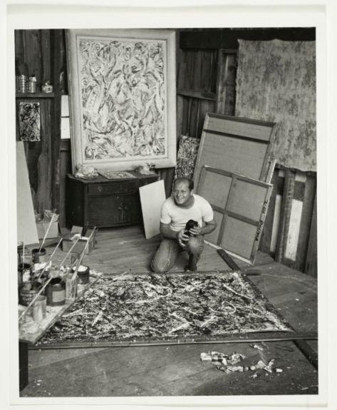Spero di riuscire ad andare, mi piace troppo!   Jackson Pollock nel suo studio, 1947 ca. – photo Herbert Matter - Jackson Pollock and Lee Krasner papers, Archives of American Art, Smithsonian Institution