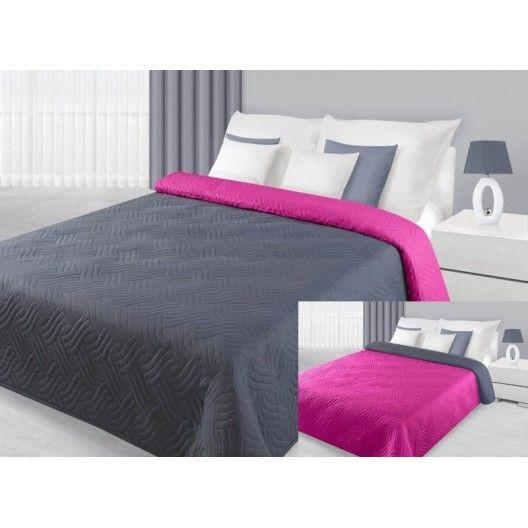 Sivo ružový prehoz na posteľ s prešívaným vzorom