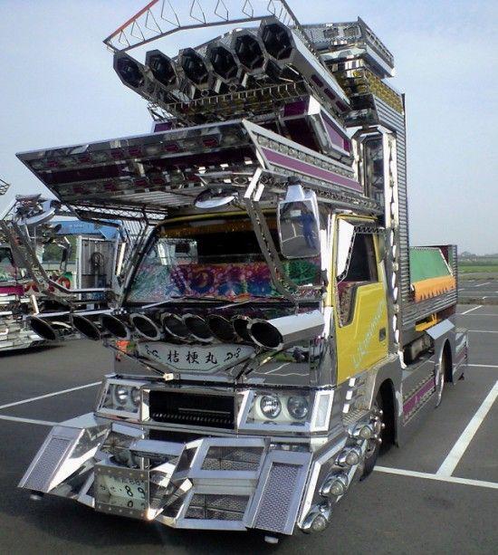 Dekotora Art Trucks-03