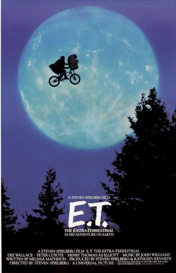 E.T. El Extraterrestre (1982). Una de las peliculas mas emblematicas de la decada. Dirigida por Steven Spielberg.