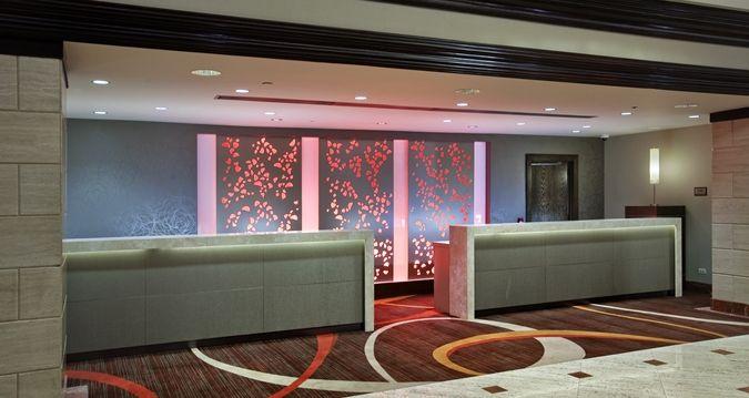 Hilton Rosemont/chicago O'hare Hotel, Il - Lobby - Front Desk | IL 60018