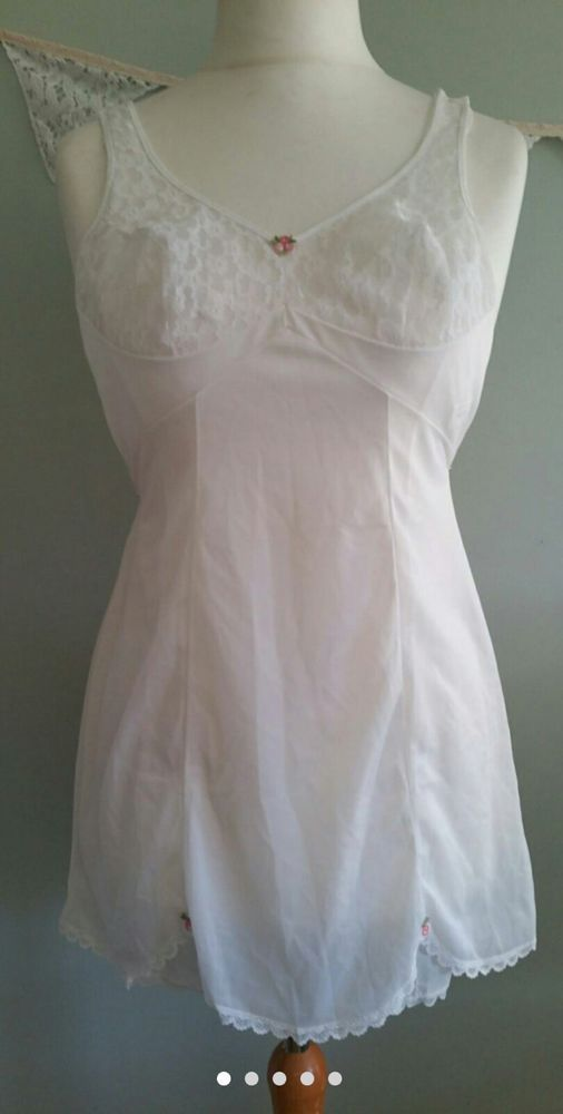 "Vintage Lingerie, Triumph International Mini slip.  34"" chest. Size 6-8, White  