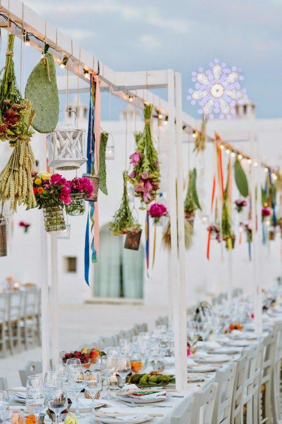 Original y tradicional esta #decoración de #mesa de #banquete de #boda es perfecta para #bodas @innovias de estilo mediterráeno  y al aire libre!!