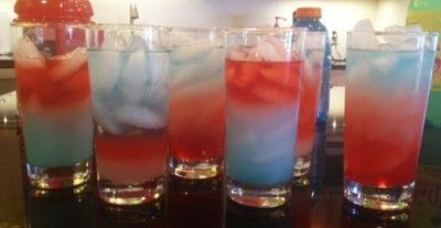 Density Drinks - a science experiment and kid-friendly 4th of July drink rolled into one!