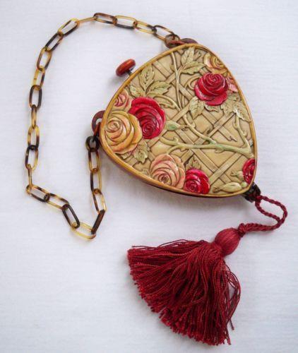 VINTAGE ART DECO BAKELITE ROSES POWDER COMPACT SWANSDOWN PUFF 20s 30s fashion style accessories purse