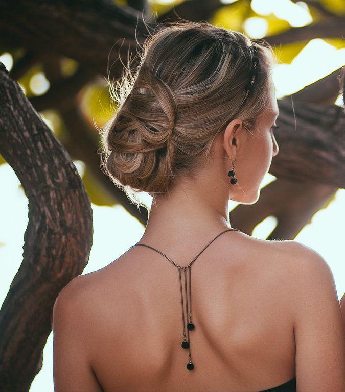 Bijou de dos / collier de dos- couleur noir : Collier par clairebourdon