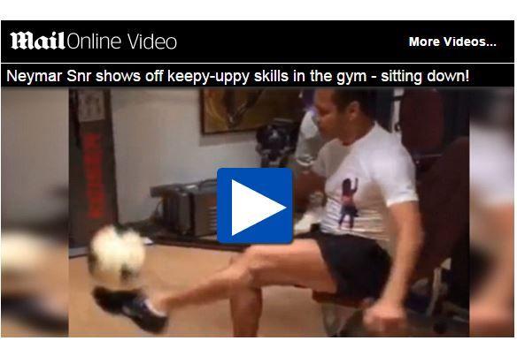 VIDEO - Ecco da chi ha preso Neymar! Guardate il padre che palleggi...