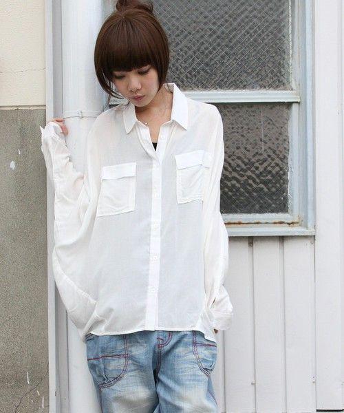 【ZOZOTOWN】mighty original(マイティーオリジナル)のシャツ/ブラウス「洗練された大人モードを提案、さりげないディティールで差をつける。 『シンプルドルマンシャツブラウス』」(21261A132)を購入できます。