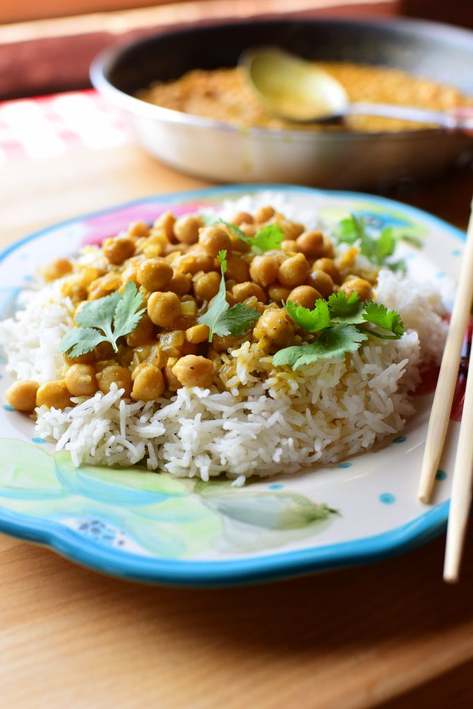 "PIONEER WOMAN'C CHICKPEA CURRY - ""This is an utterly scrumptious, super-flavorful pantry meal that happens to be one of the fastest ways to satisfy a curry craving that might strike you here or there."""