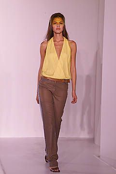 DKNY Spring 2001 Ready-to-Wear Collection Slideshow on Style.com