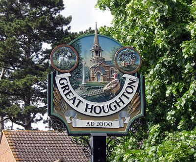 ENGLISH VILLAGE SIGNS | Great Houghton, Northamptonshire.