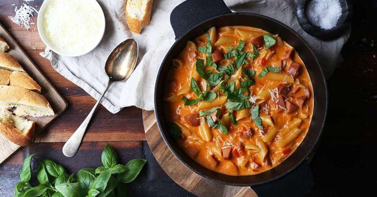Kremet pastagryte med middagspølser, fennikel og parmesan.
