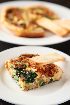 Frying pan with a simple ★ eating bread quiche - omelette toast