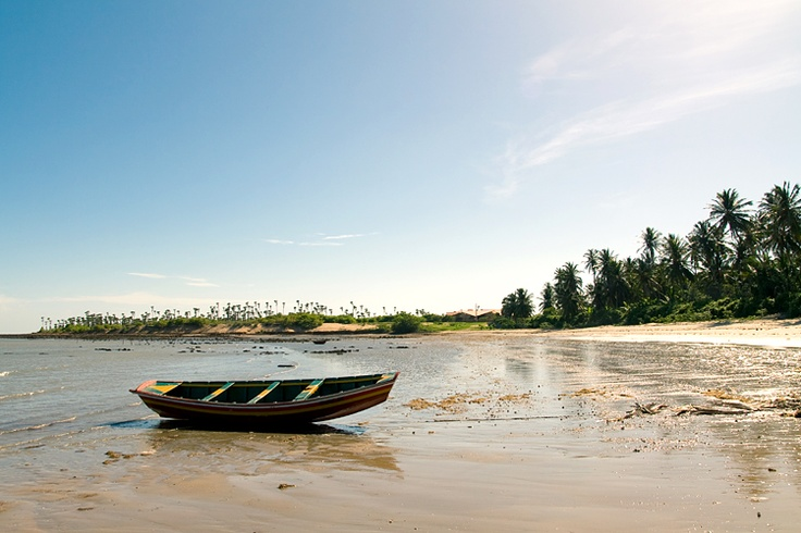 Cajueiro beach, is a  fishing village with a quiet beach. Parnaíba River Delta‎