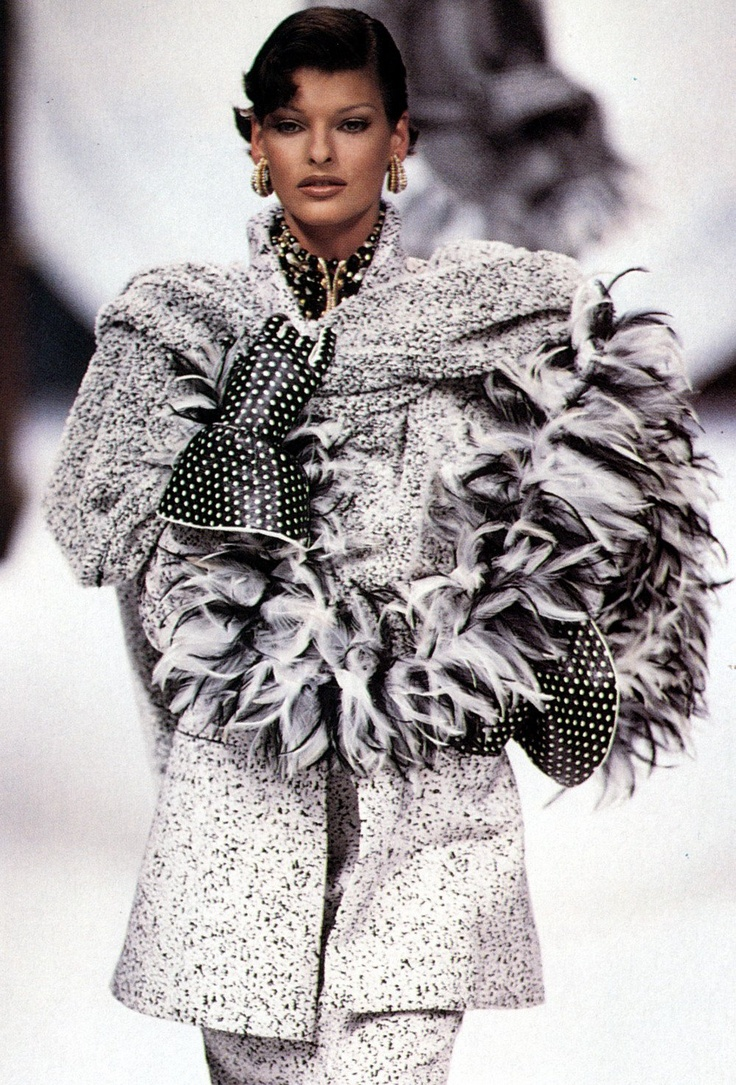 Linda evangelista christian dior haute couture linda for Haute couture definition