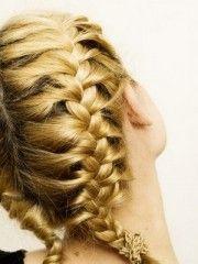 tendenze capelli,moda capelli,capelli,acconciature capelli,trecce,trecce capelli,trecce estate 2011,moda capelli 2011,pettinature