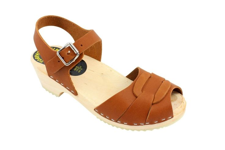 Lotta From Stockholm Womens Low Heel Peep Toe Wooden Clogs in Tan Leather