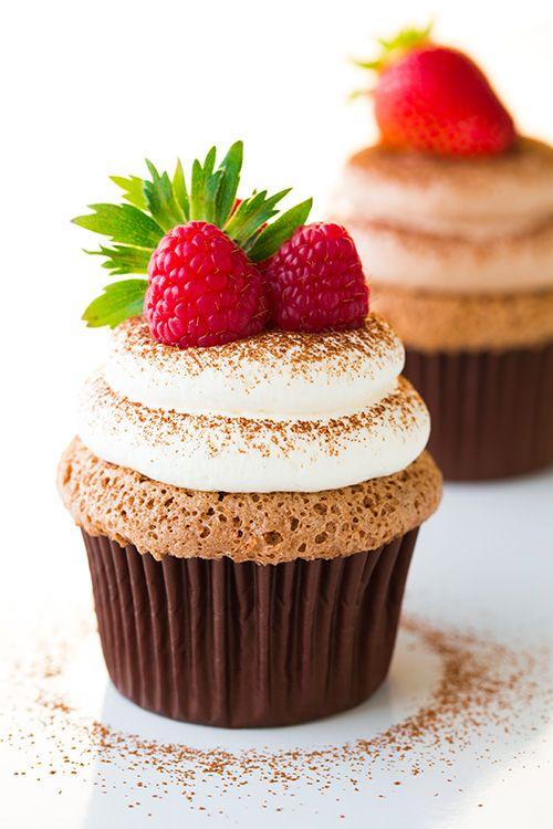 Chocolate Angel Food Cupcakes with Chocolate Cream Cheese Blog: Alles rund um die Themen Genuss & Geschmack Kochen Backen Braten Vorspeisen Hauptgerichte und Desserts #hashtag