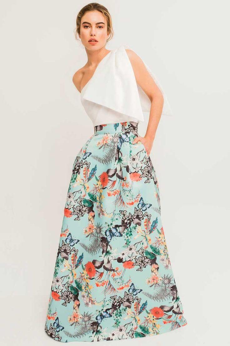 Maxi falda larga estampada de mariposas y flores en tejido otoman, de #Apparentia, perfecta para invitada de boda madrina elegante comunion bautizo o incluso cena de empresa
