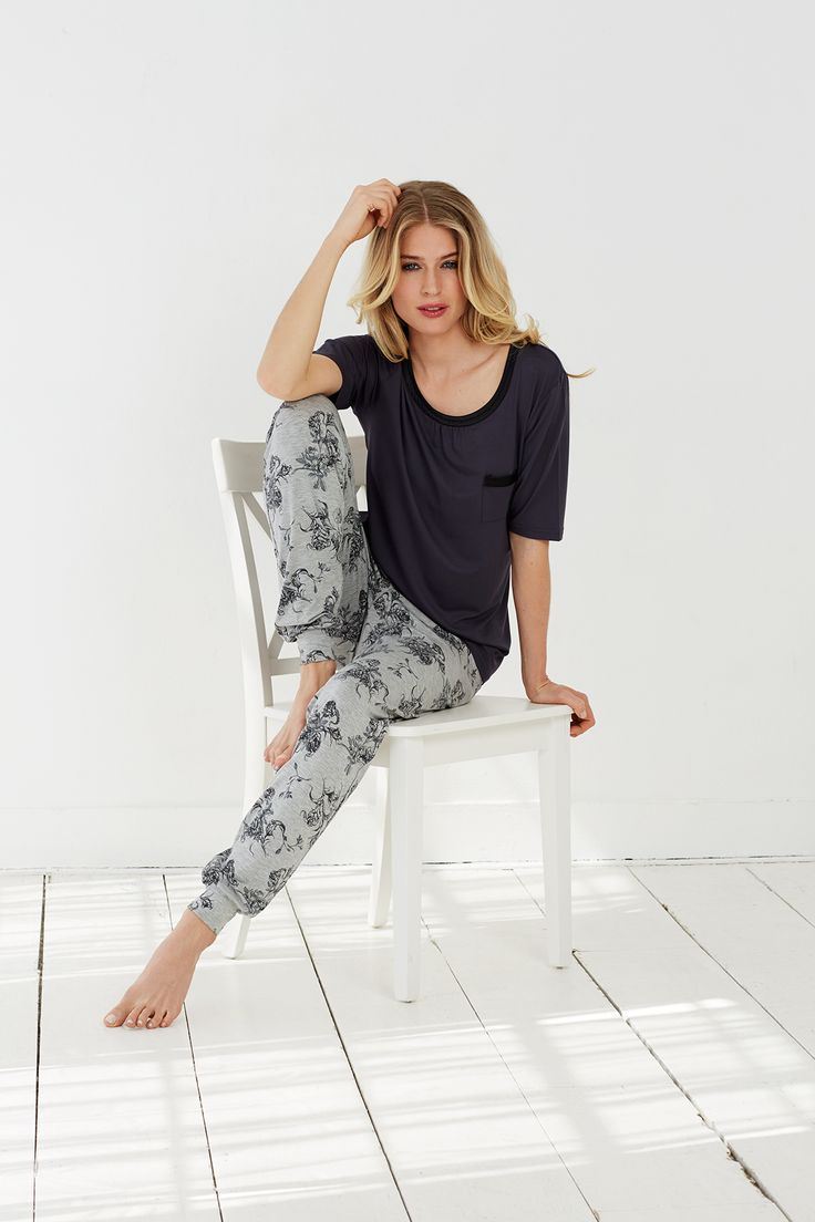 Mixing it up Pastunette Deluxe style with romantic floral and soft black top - choose your own style this season.......