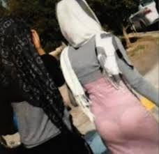 MEMALUKAN !!! APABILA Fesyen terbaru JUBAH G-string Muslimah melayu HANGAT di Malaysia   Patut la kes rogol meningkat sesetengah perempuan ni tak sedar cara pemakaian diorang tu mengundang bahaya!! Pakai pakaian ketat-ketat sampai melekat kat badan tertonjol bonjol sana sini ditayang free cenggitu aje.Pakai tudung tutup aurat kat kepala tu elok dah tapi mai kat pakaian tu Allah.. Sakit mata nak memandangnya la. Mata-mata keranjang yang suka tengok tu suka la tengok barang free…