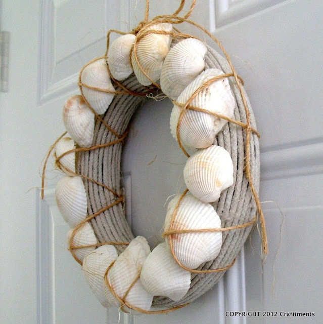 Seashell, Rope and Twine Wreath  http://www.craftiments.com/2012/06/seashell-rope-and-twine-wreath.html
