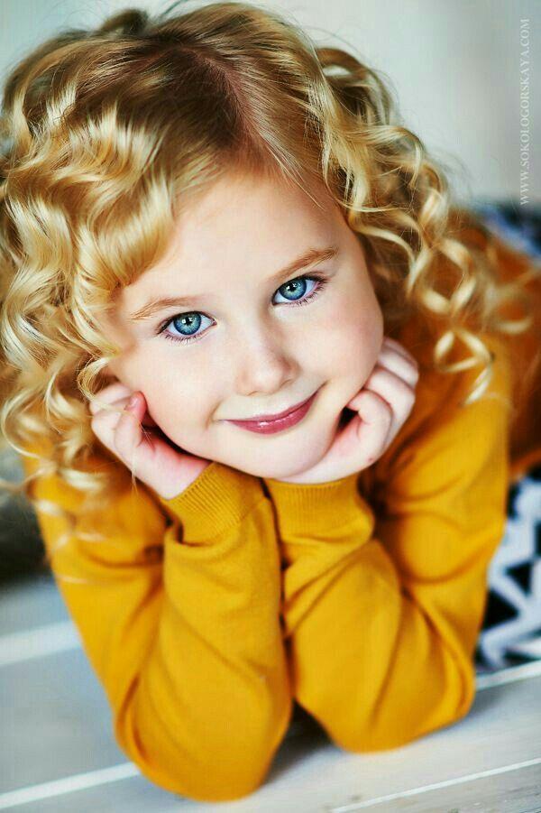Beautiful Big Blue Eyed Blonde <3