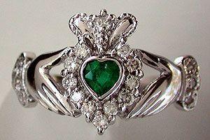 Emerald claddagh ring